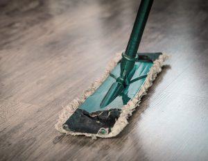 Consigli utili per pulire le superfici in laminato