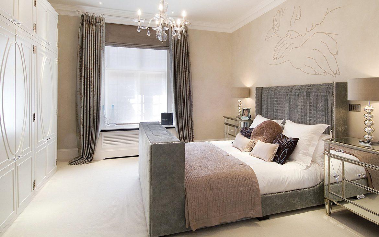 Camera da letto con pareti beige - Troppo Bravo