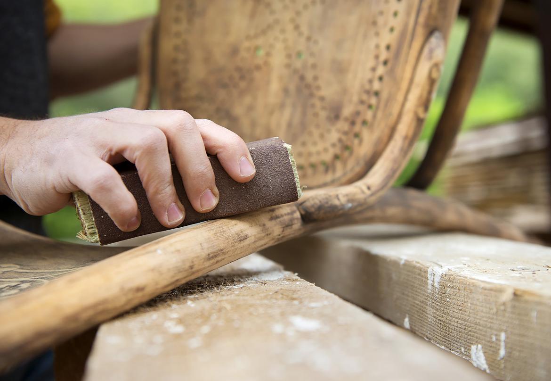 Come Scartavetrare Il Legno come sverniciare un mobile in legno in poche mosse