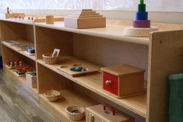 mobile montessori