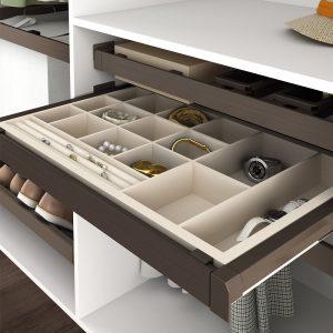 cestelli estraibili idee per ottimizzare spazi armadio cassetto porta gioie